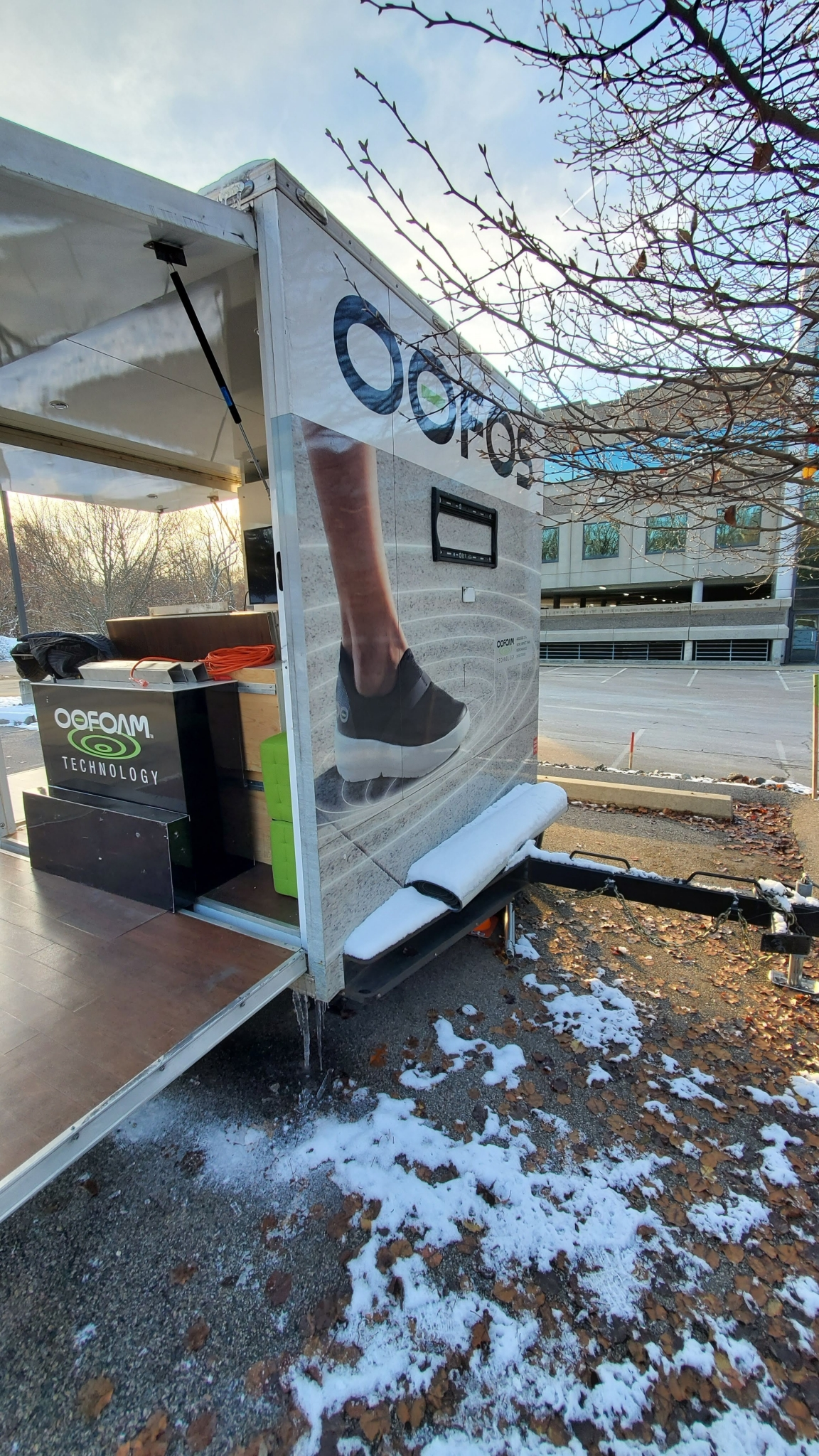 Small Mobile Pop-up Store front