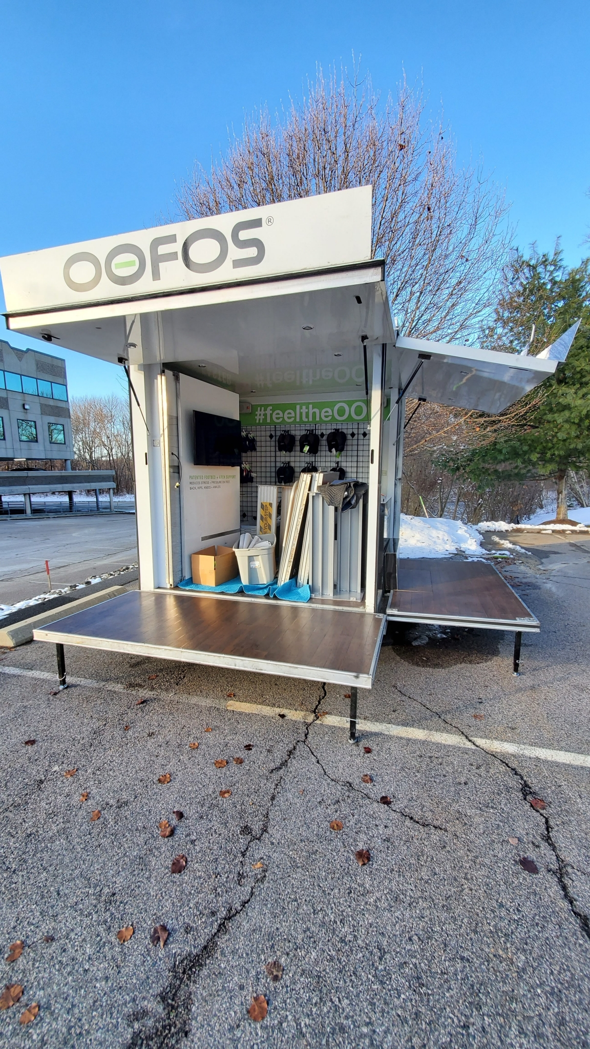 Small Mobile Pop-up Store rear