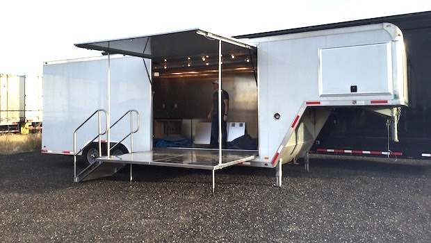 mobile-showroom-for-rent