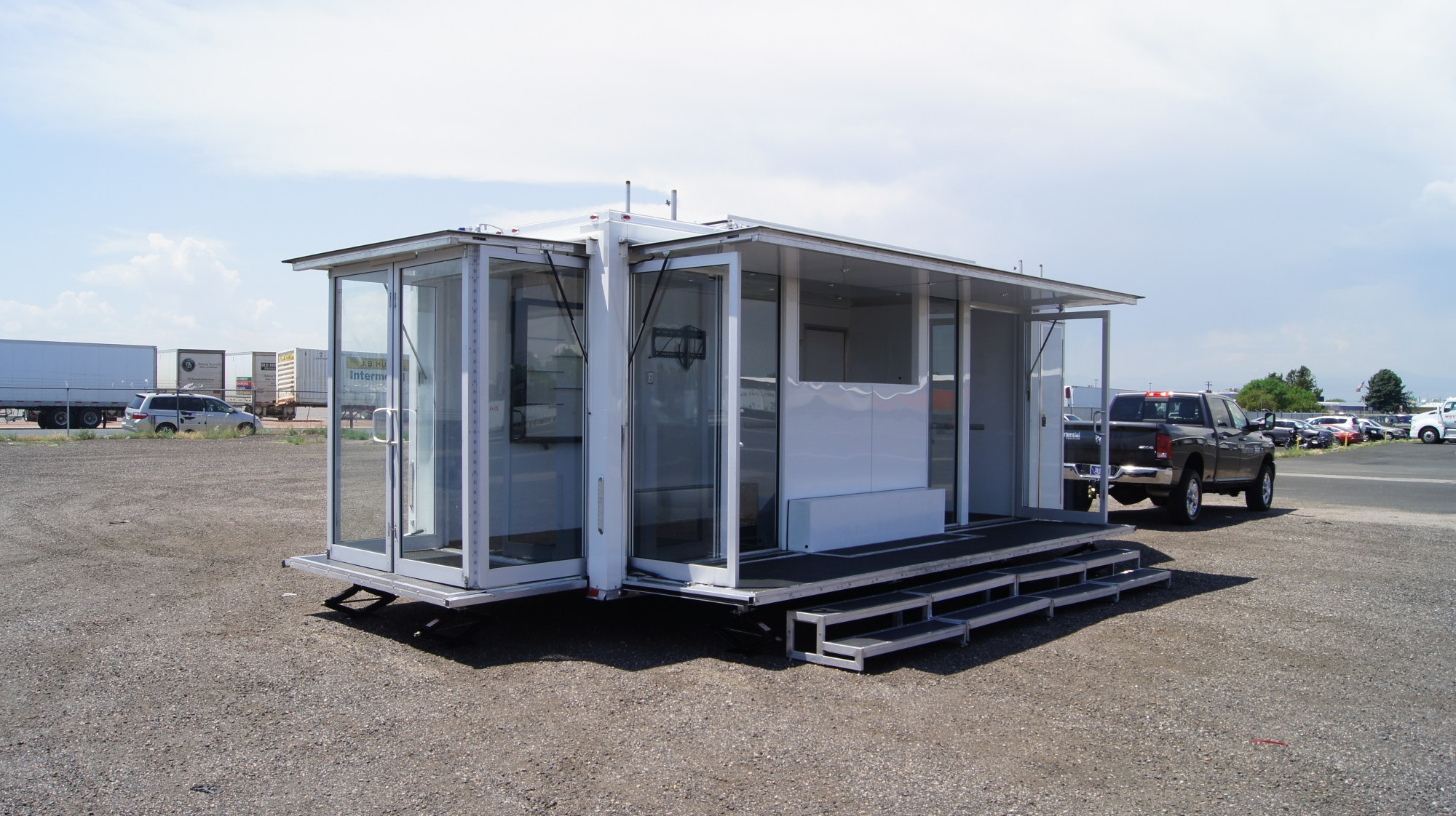 mobile pop trailer glass walls