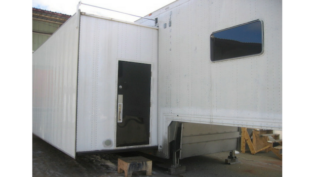 entrance Extra Height Single Expandable Trailer