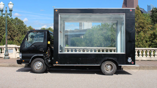 2006 GMC Glass walled truck