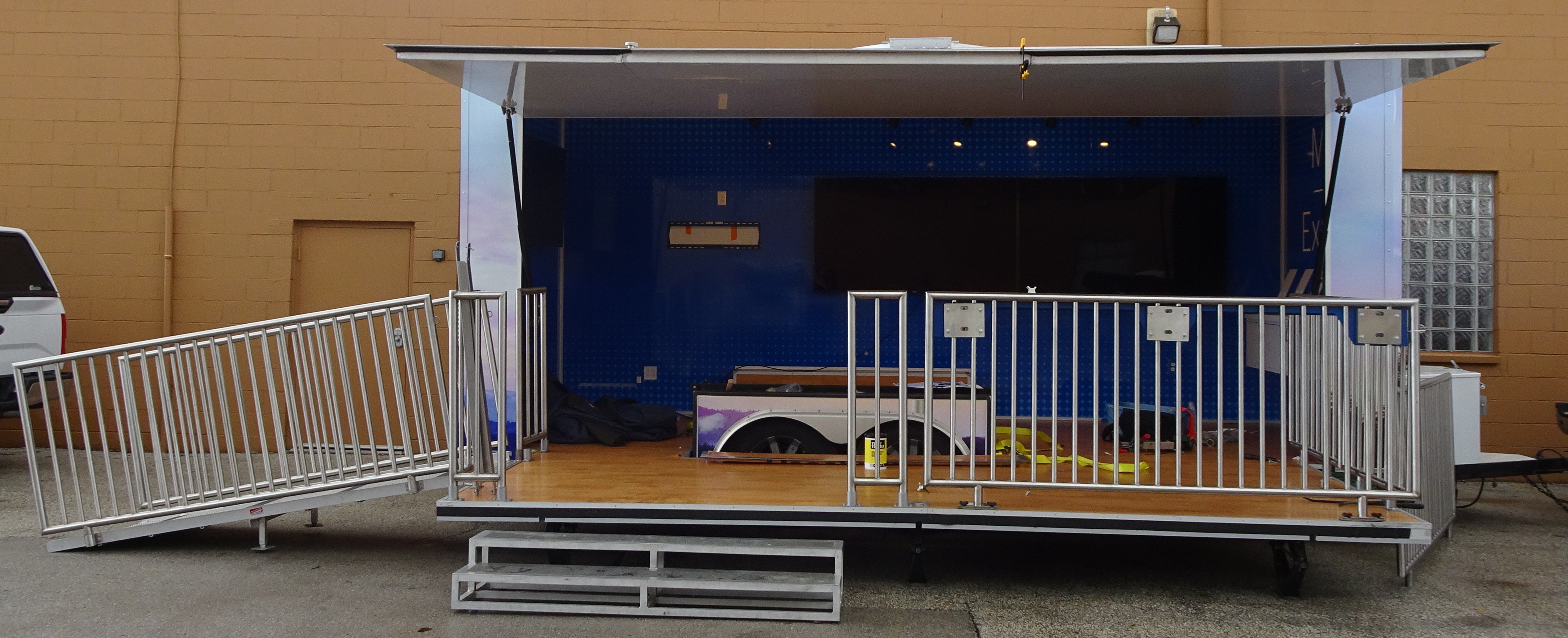 stage trailer current open 2