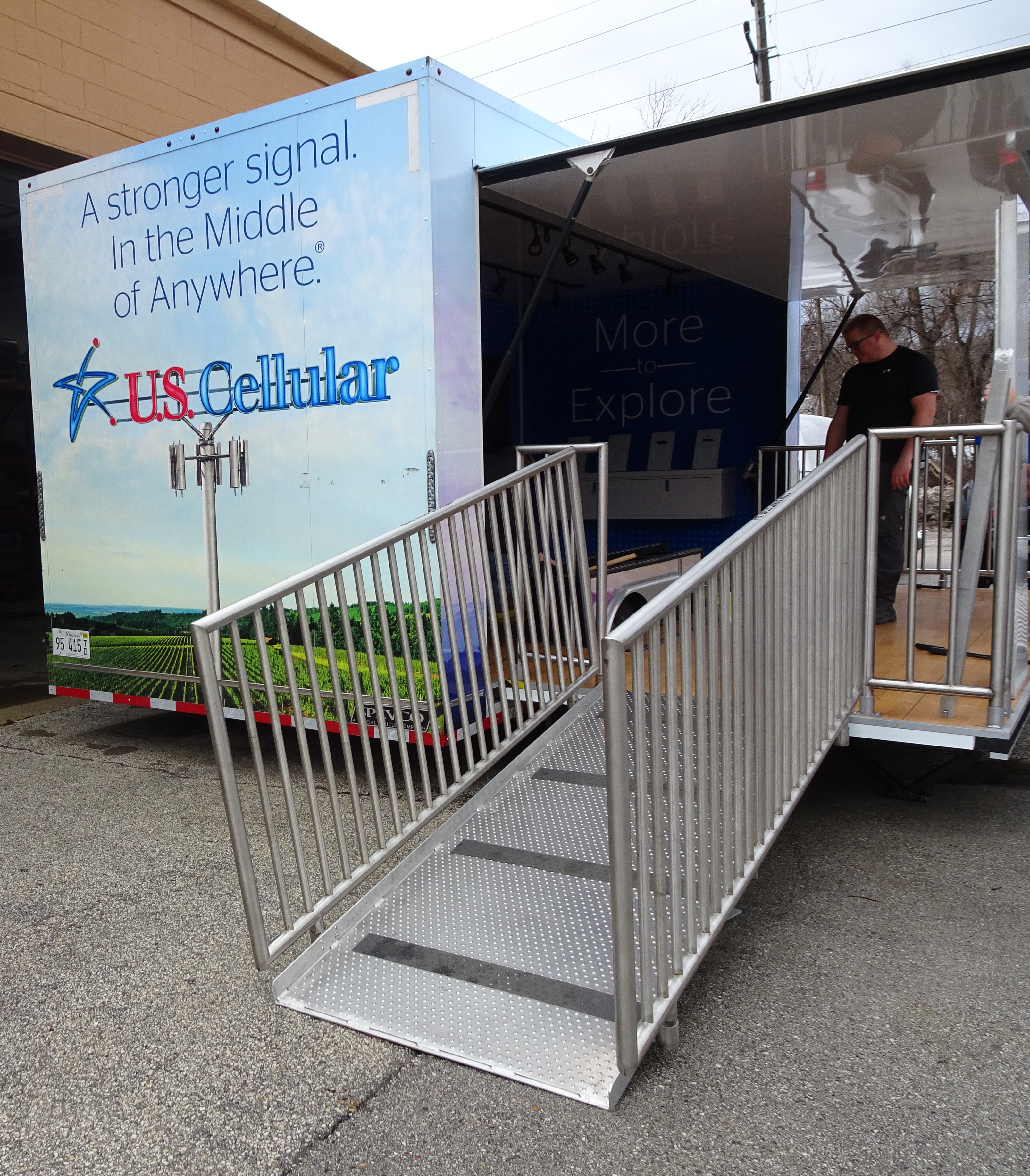 stage trailer current rear