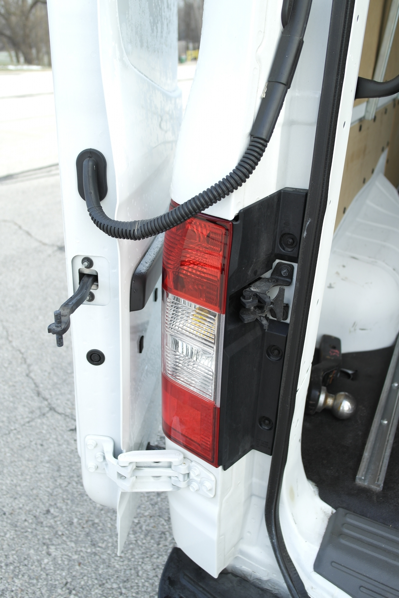 Nissan NV 2500 folding door