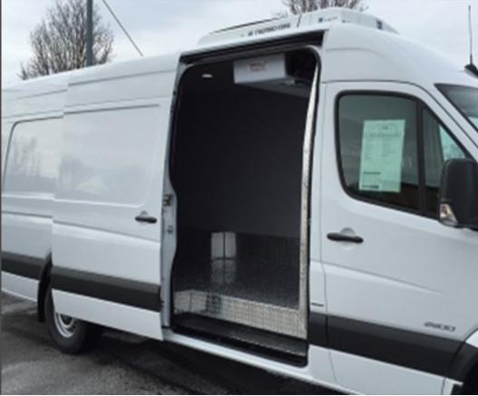 Refrigerated 2500 side sliding cargo door
