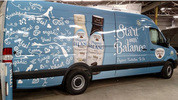 Refrigerated sprinter van for mobile tours