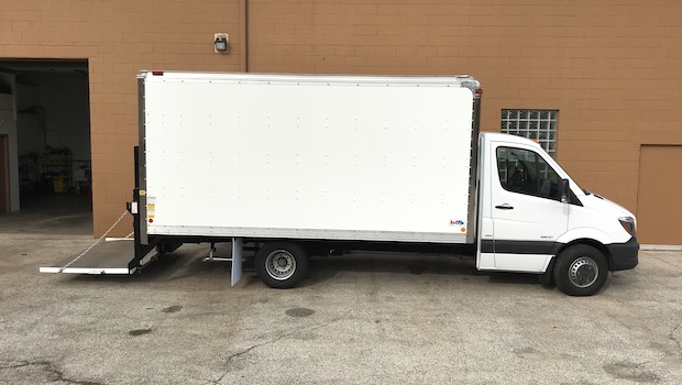Sprinter box truck for rent liftgate