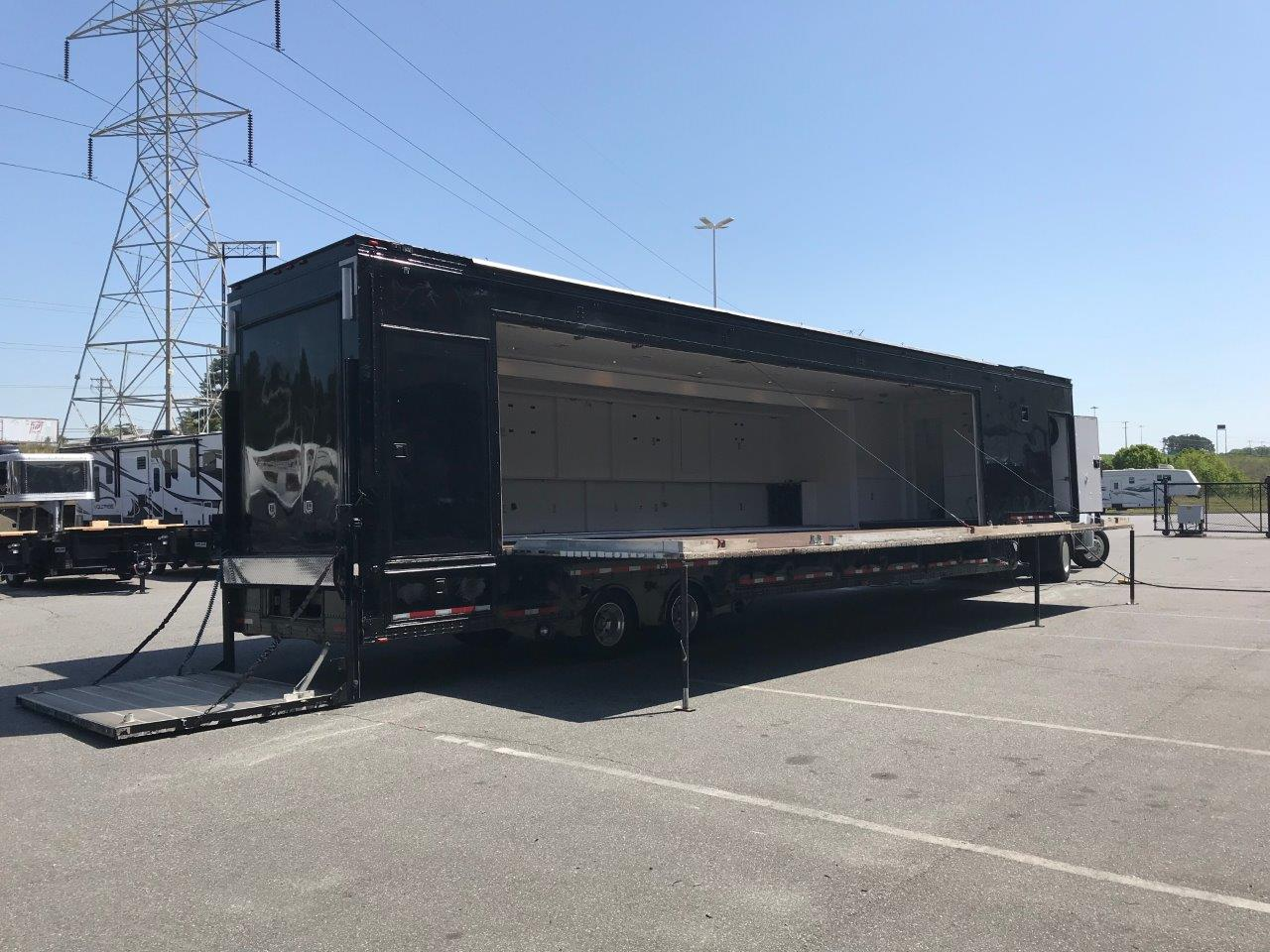 Expandable Stage Trailer open nose