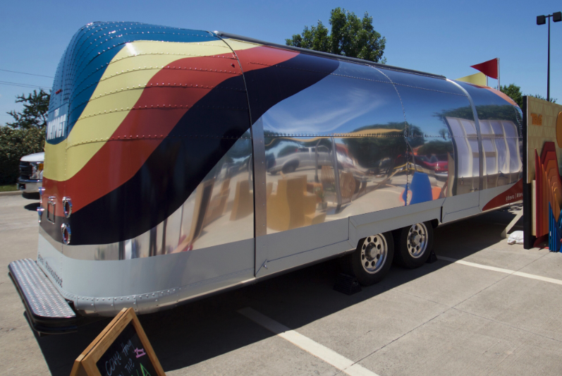 Airstream gull wing closed