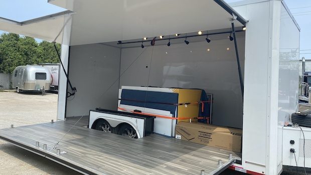 pop-up stage trailer open for lease