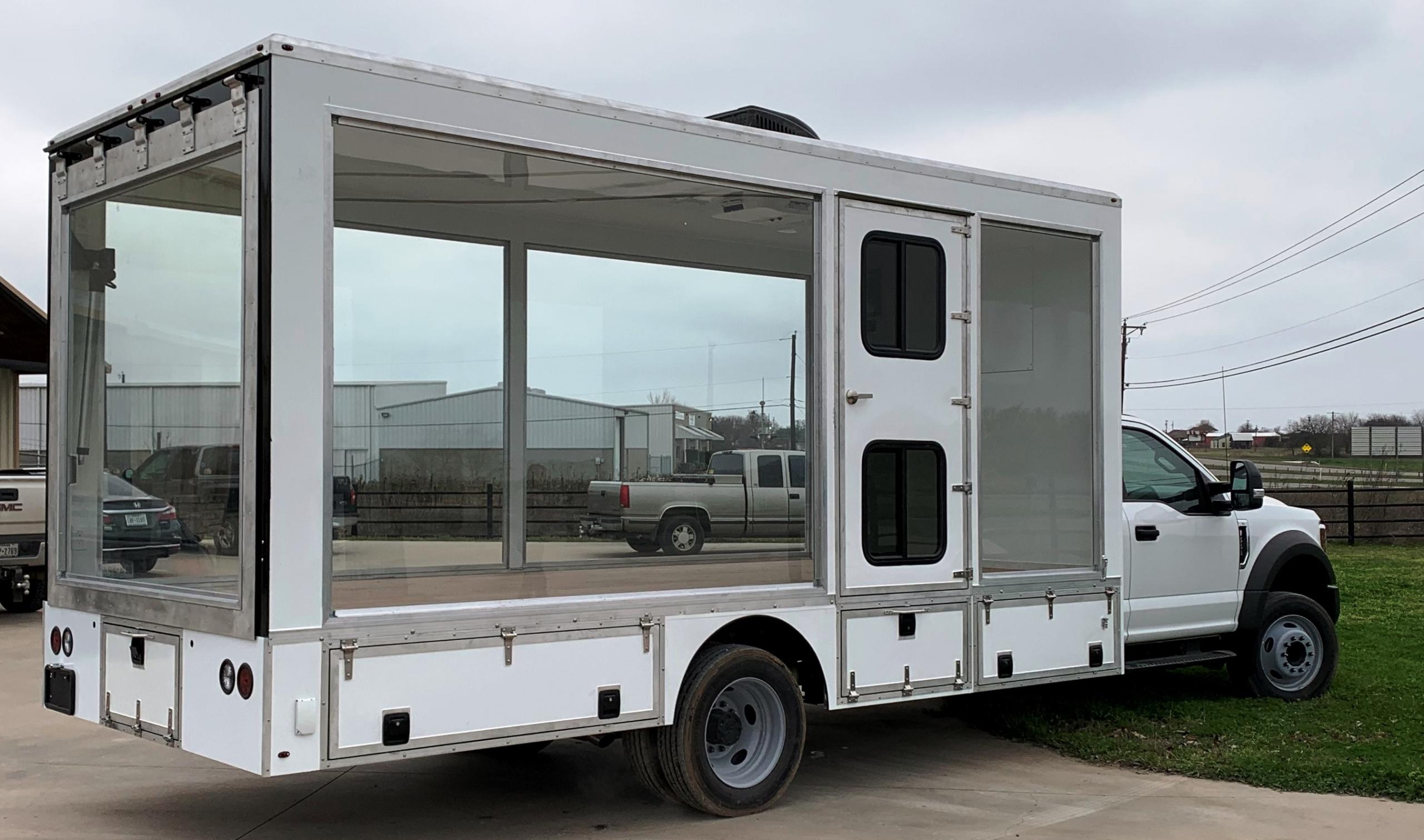 18' glass walled truck passenger side
