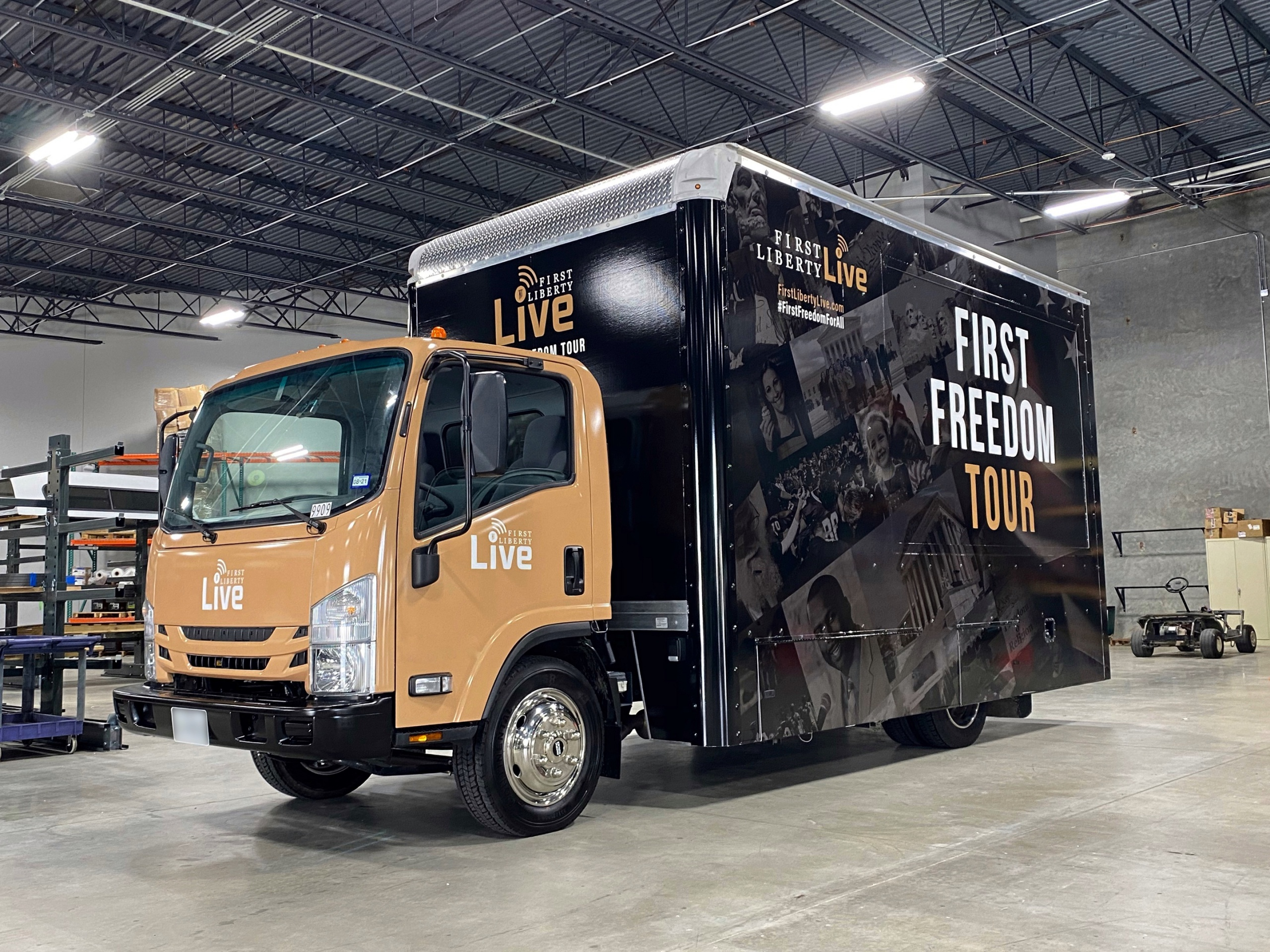 16 foot glass display truck