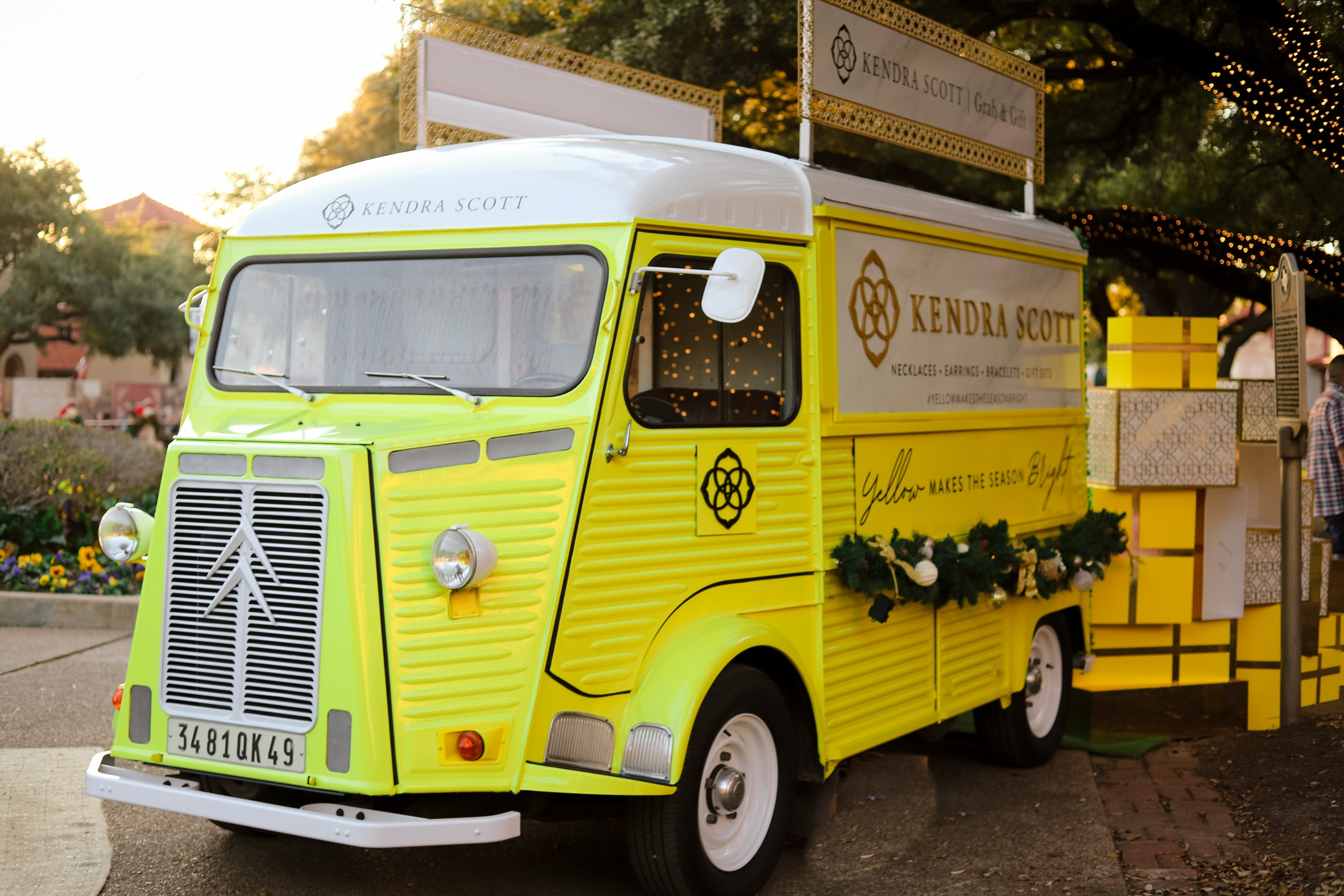 Vintage delivery truck for lease