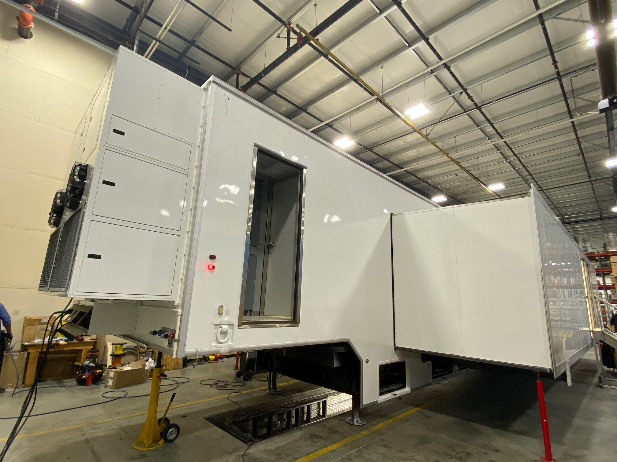 Mobile surgery trailer
