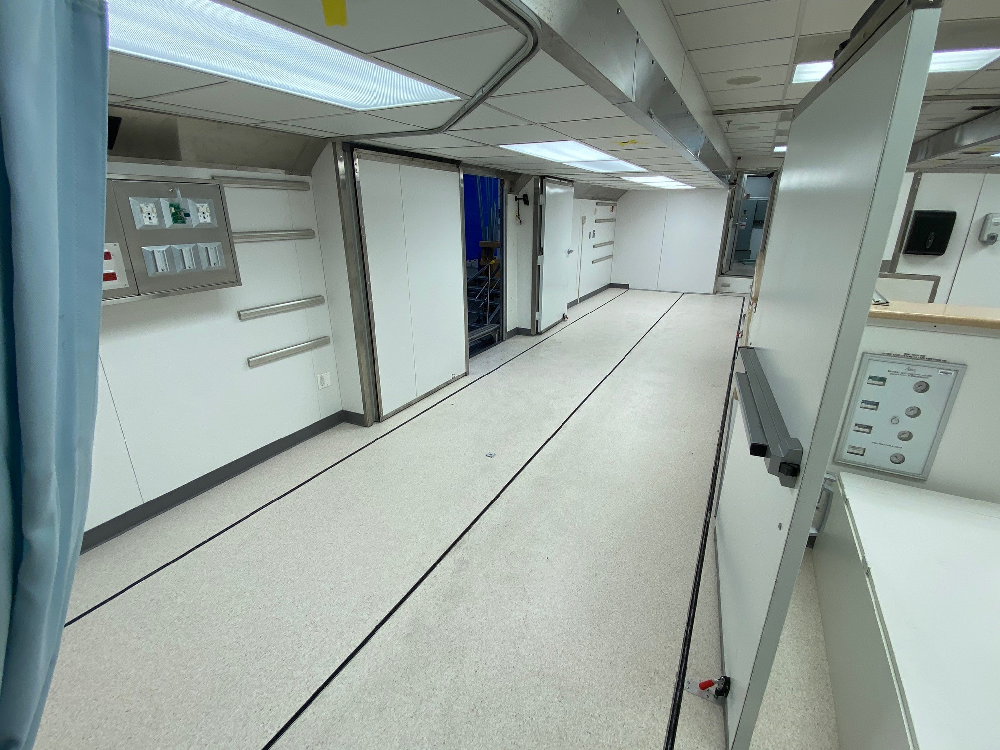 Mobile surgery unit recovery room