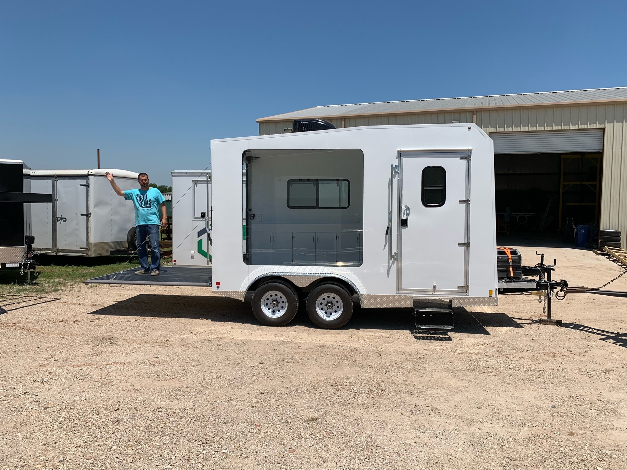 Advertising trailer stage